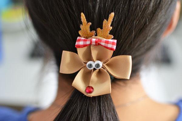 final look of the Christmas reindeer hair clip