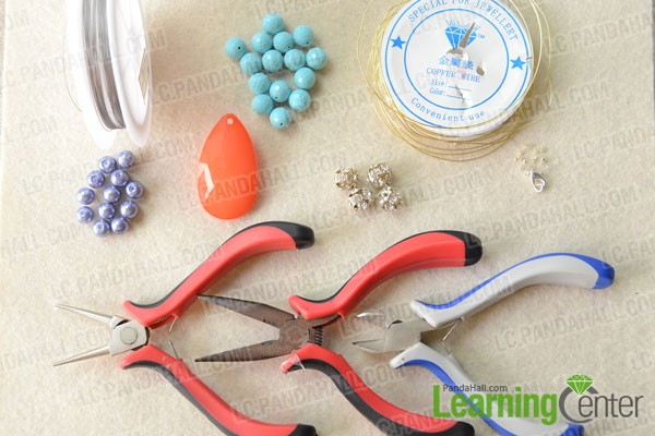 Materials and tools for making a turquoise beaded necklace