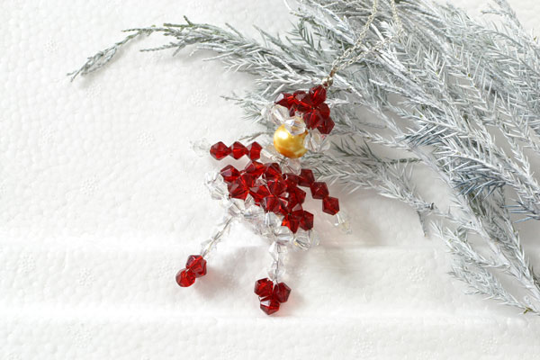 final look of the red beaded doll snowman pendant necklace