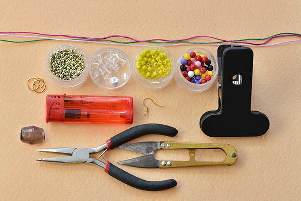 supplies needed in DIY the thread braided earrings