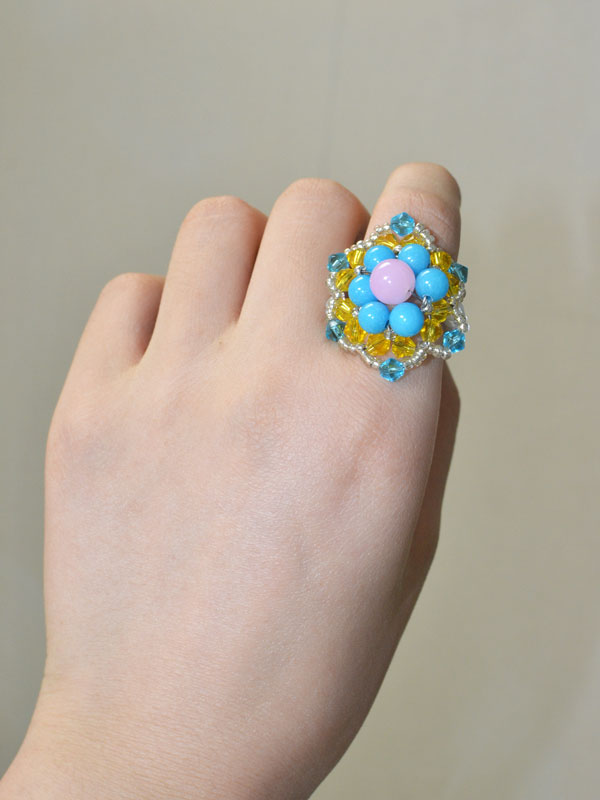 final look of the handmade beaded flower ring