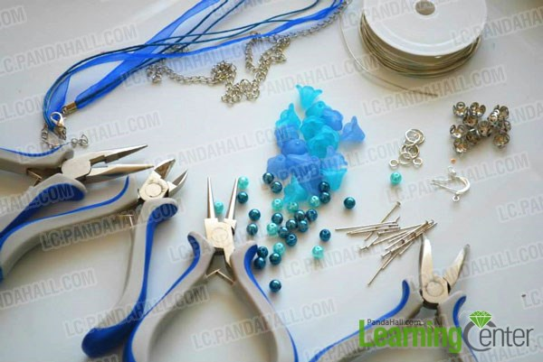 supplies needed in necklace and earrings set