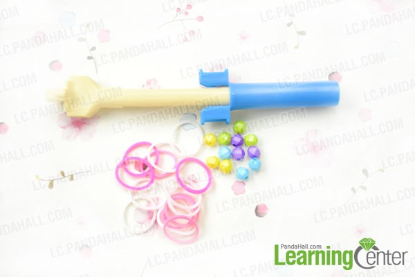 Materials needed in making wide loom band bracelet