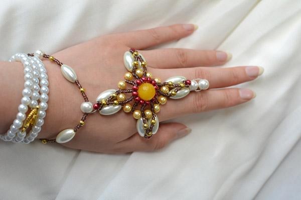 final look of the handmade cross pearl bracelet