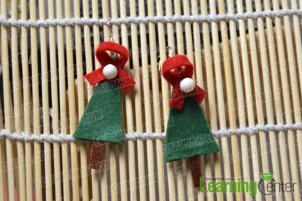 finished Christmas tree earrings