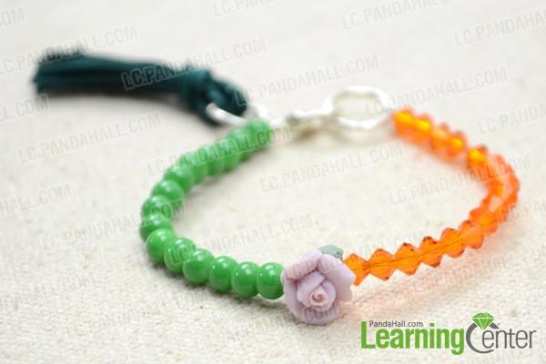 The small bead bracelet