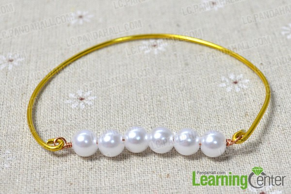 hitch the pearl links to the wire bangle