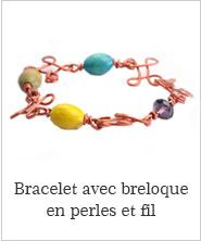 Bracelet avec breloque en perles et fil